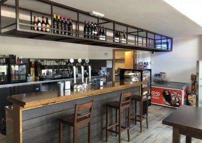 Bar Cafetería La Antigua Escuela - Barra