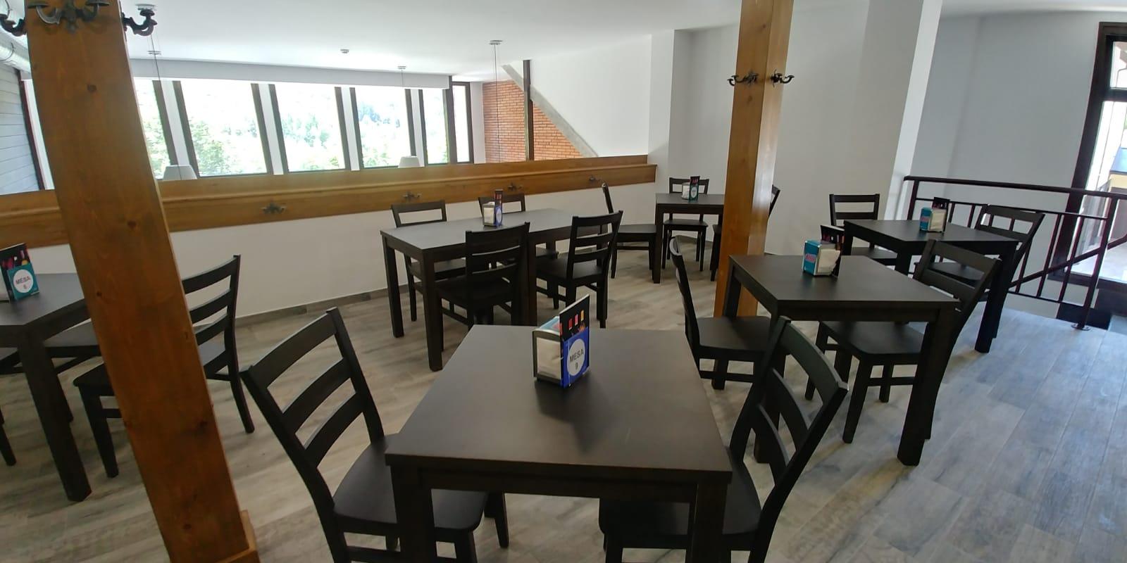 Bar Cafetería La Antigua Escuela del Bierzo - Comedor privado