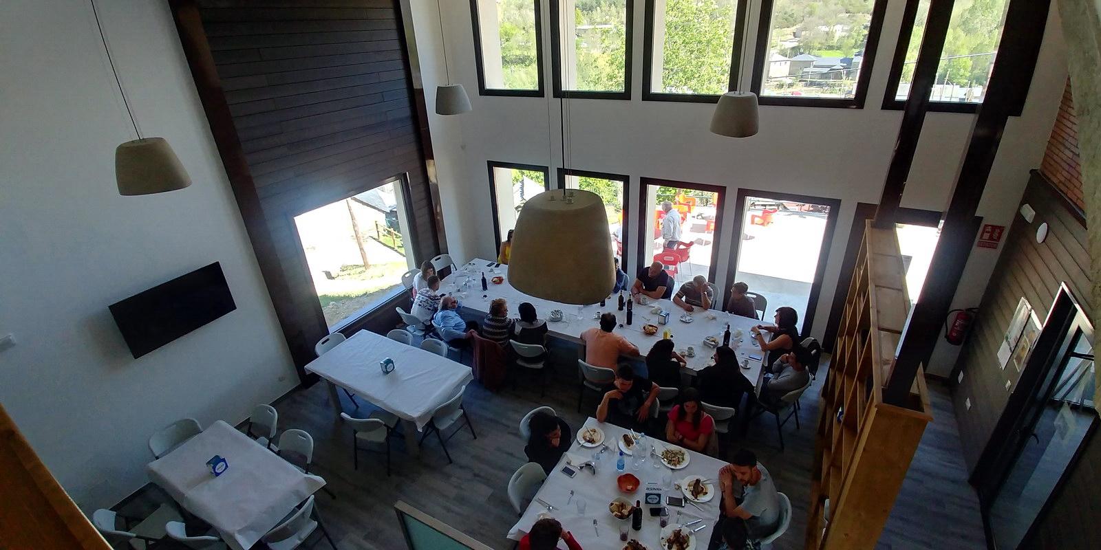 Restaurante Antigua Escuela del Bierzo Pobladura de las Regueras vista comedor