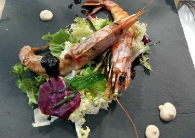 jornadas_gastronomicas_bierzo_2020_ensalada_templada_gambas