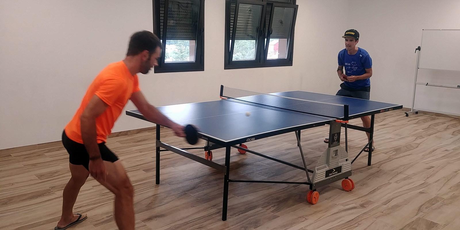 Aula Juegos Ping Pong | La Antigua Escuela | Alojamiento en El Bierzo