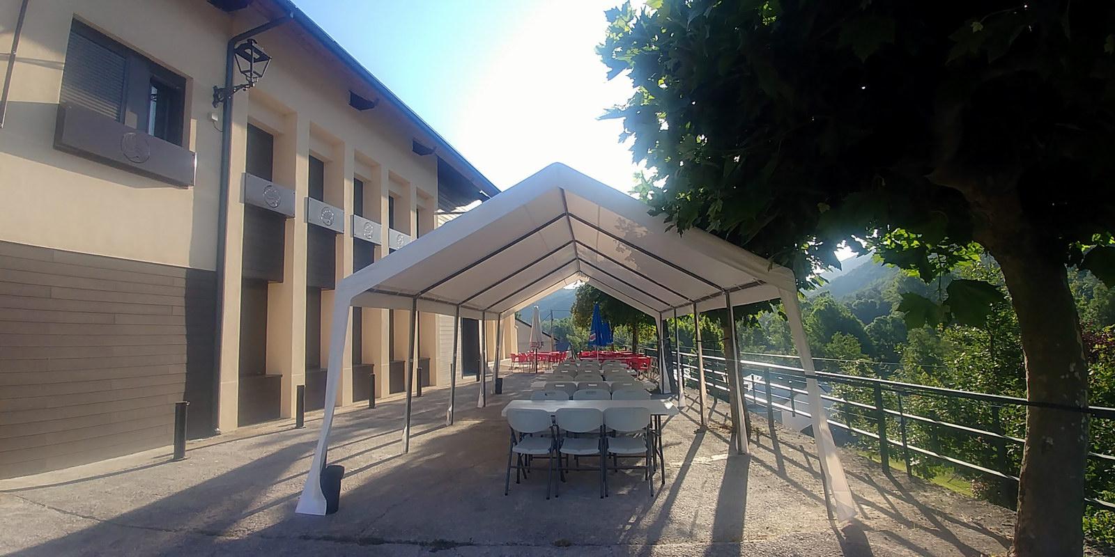 Terraza de verano en La Antigua Escuela | Restaurante Bar en El Bierzo Alto