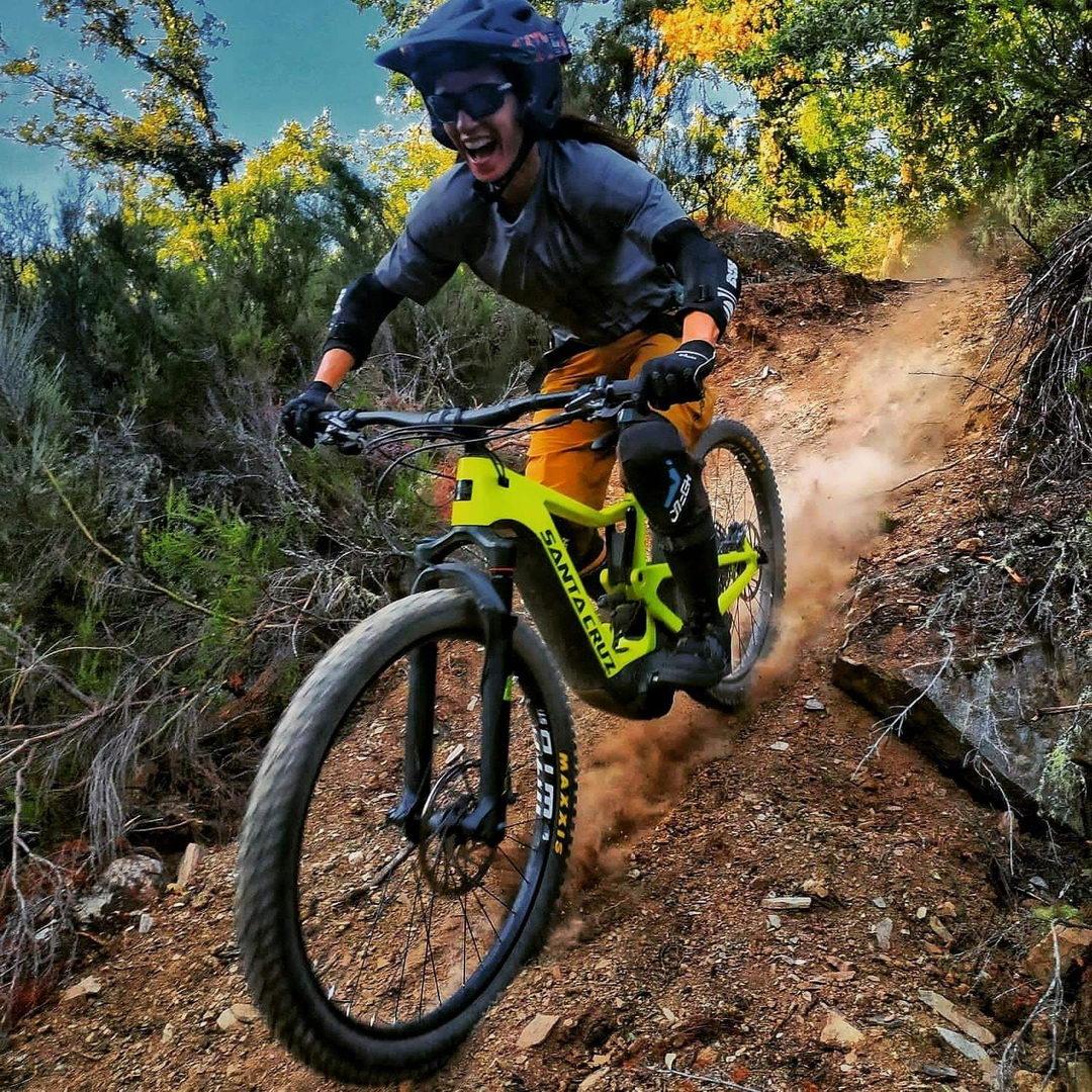 TEST CENTER SANTA CRUZ E Bikes Bicicletas Eléctricas Mountain Bike | Rutas divertidad en El Bierzo