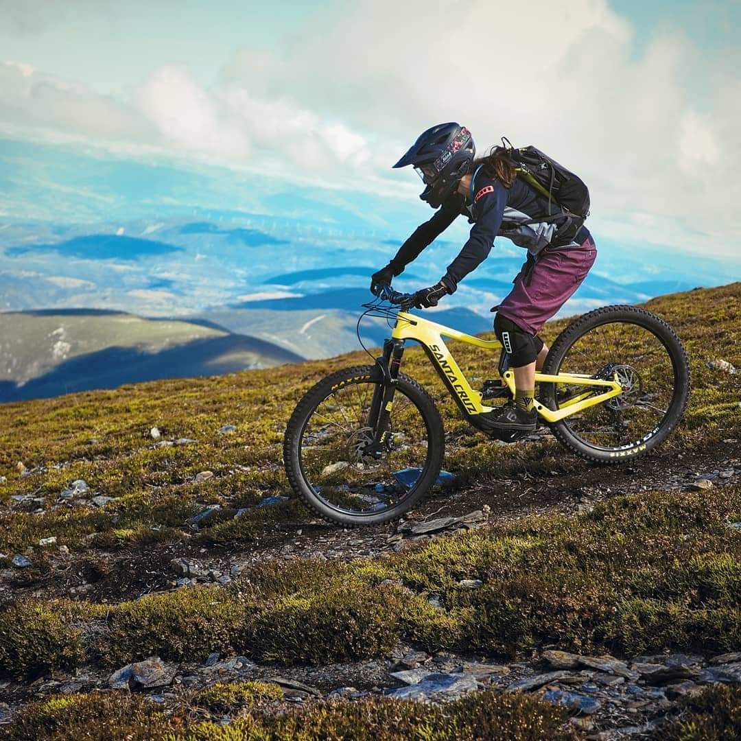 Alquiler de bicicletas eléctricas ebike mountain bike | Rutas por los Montes Aquilianos en El Bierzo