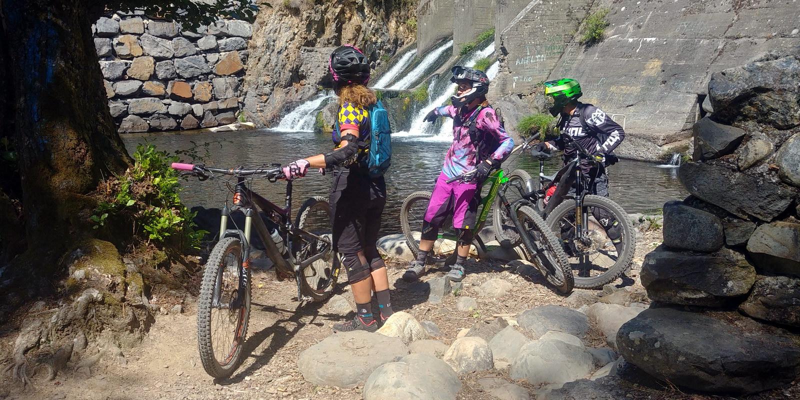 Alquiler de bicicletas eléctricas ebike mountain bike | Rutas con playa fluvial zonas de baño en El Bierzo