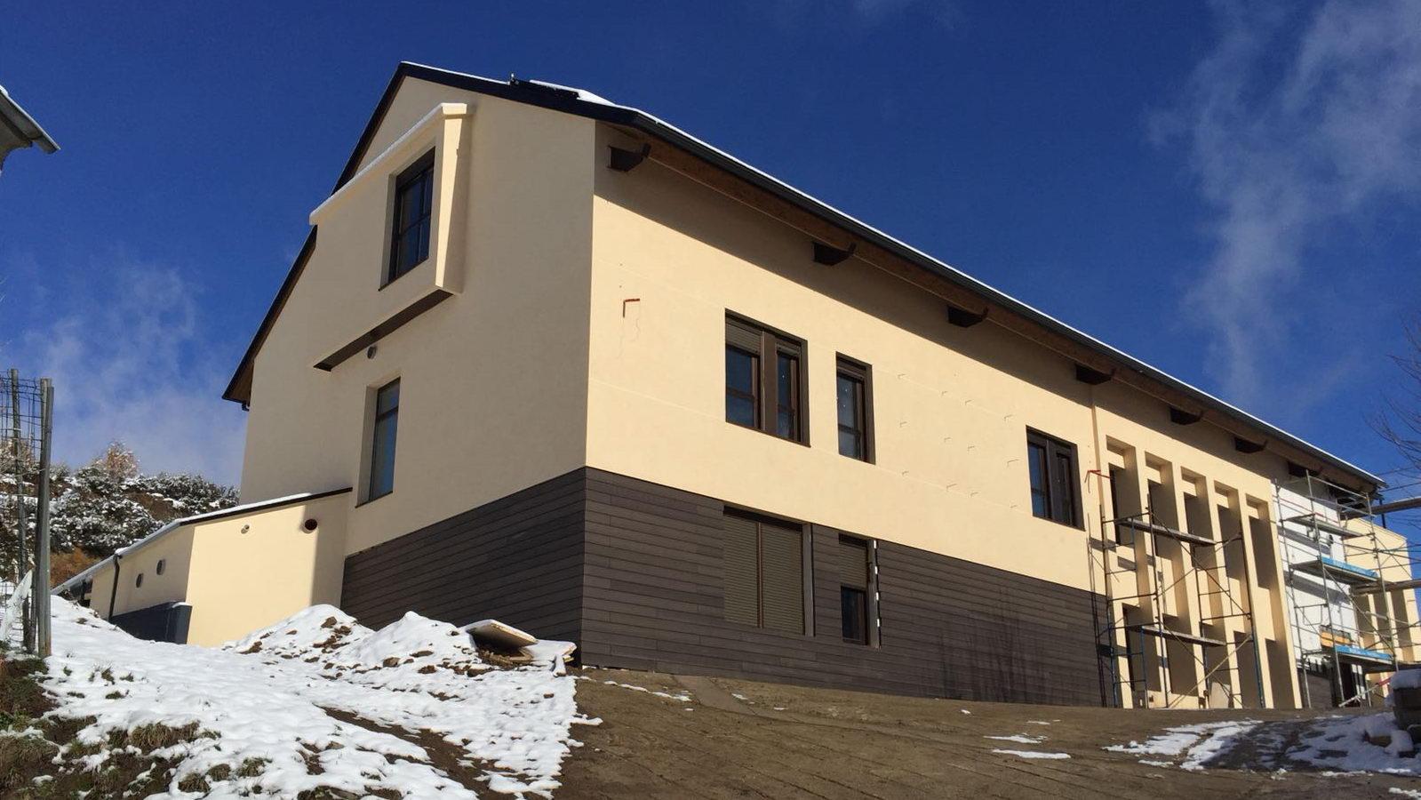 Antigua Escuela del Bierzo | Edificio nuevo cómo se rehabilitó | vista norte 3