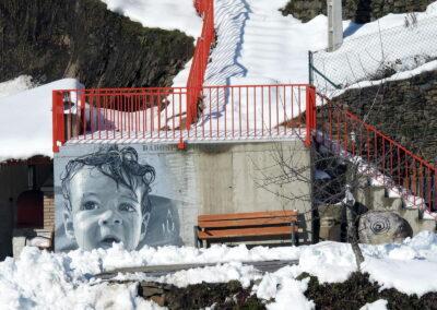 Grafiti de la Niña en Espina de Tremor El Bierzo | Ruta de los Grafitis
